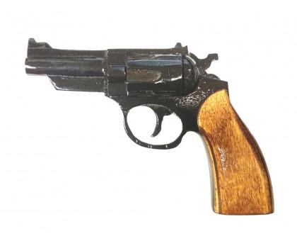 Деревянный макет револьвера